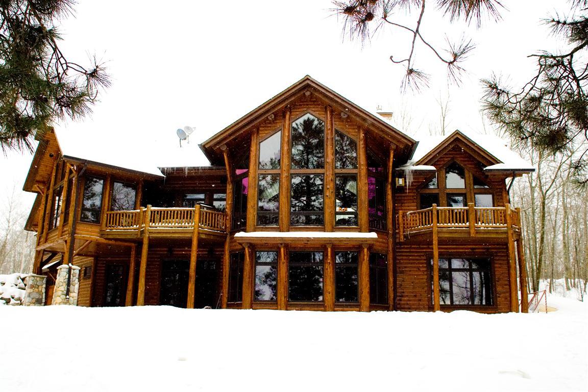 Lodge – Outside