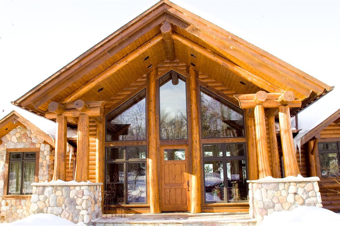 Lodge – Entrance