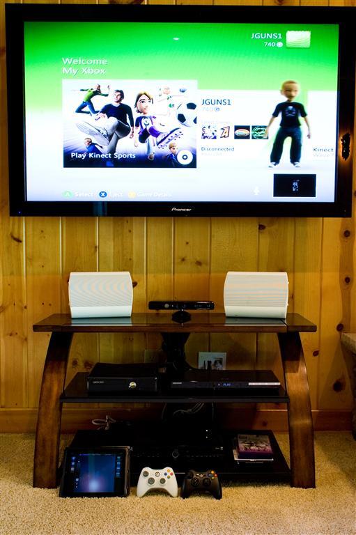 Xbox 360 w/ Kinect